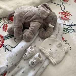 Carter's Baby Bear Beanie & knit booties